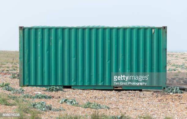 green shipping container, dungeness - container stock pictures, royalty-free photos & images