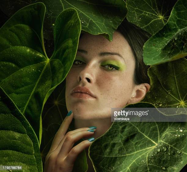 green sight - damp lips stock pictures, royalty-free photos & images