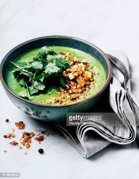 green soup - soup bowl stock pictures, royalty-free photos & images
