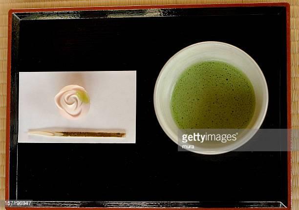 グリーンティーと日本のケーキ