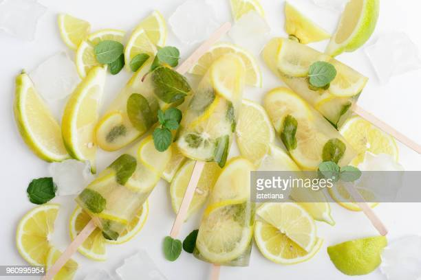 Green tea ice lollies with  lemon and mint