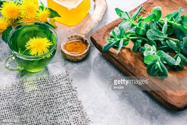Green tea with dandelion honey
