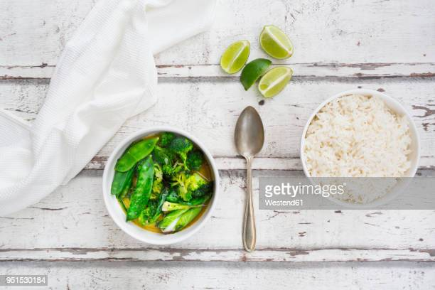 Green thai curry with broccoli, pak choi, snow peas, baby spinach, lime and rice