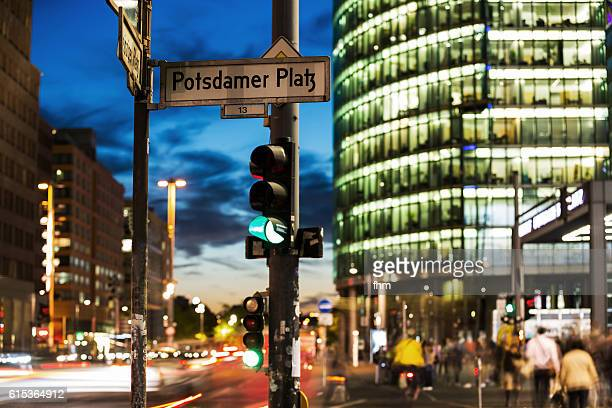 Green traffic light - city lights at Potsdamer Platz (Berlin)