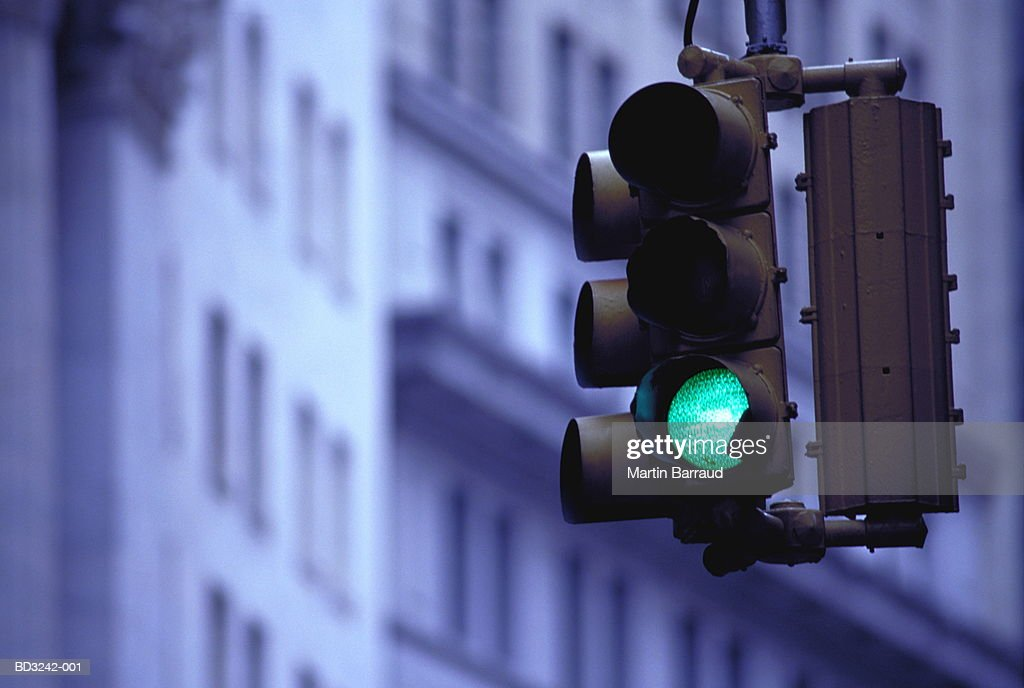 Green traffic light, low angle view : Stock-Foto