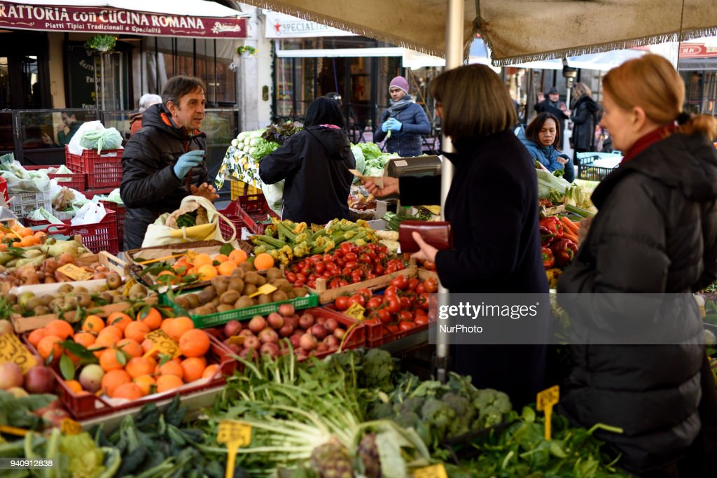 Daily life in Rome : News Photo