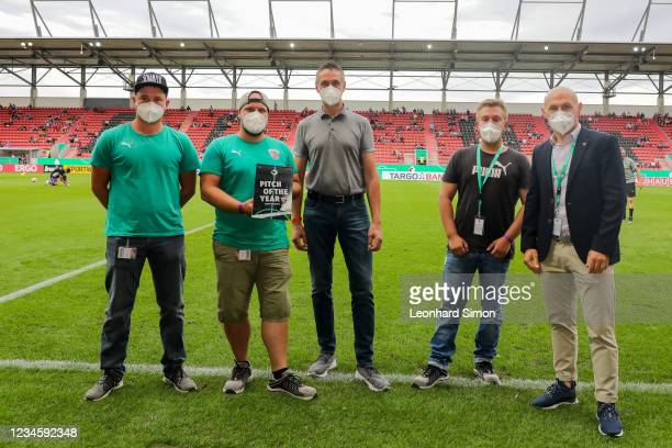 Greenkeepers Matthias Gernetht , Christopher Maid, Heinrich Lipp, Manuel Sternisa, CEO of FC Ingolstadt 04, and Dominique Weber receive the award...