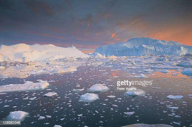 greenland, disko bay - peter adams stock pictures, royalty-free photos & images