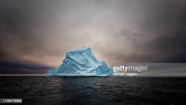 greenland - berg stock pictures, royalty-free photos & images