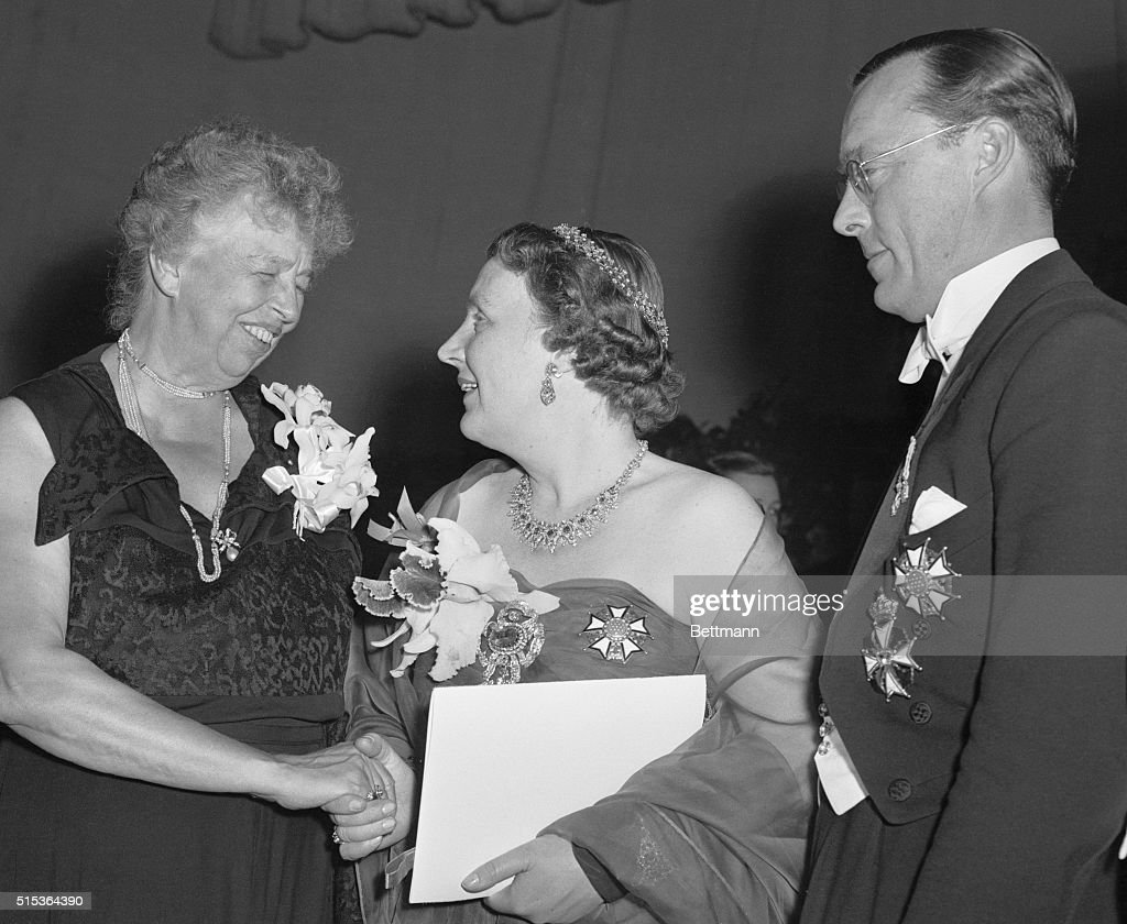 Eleanor Roosevelt Shaking Hands with Queen Juliana and Prince Bernhard : News Photo
