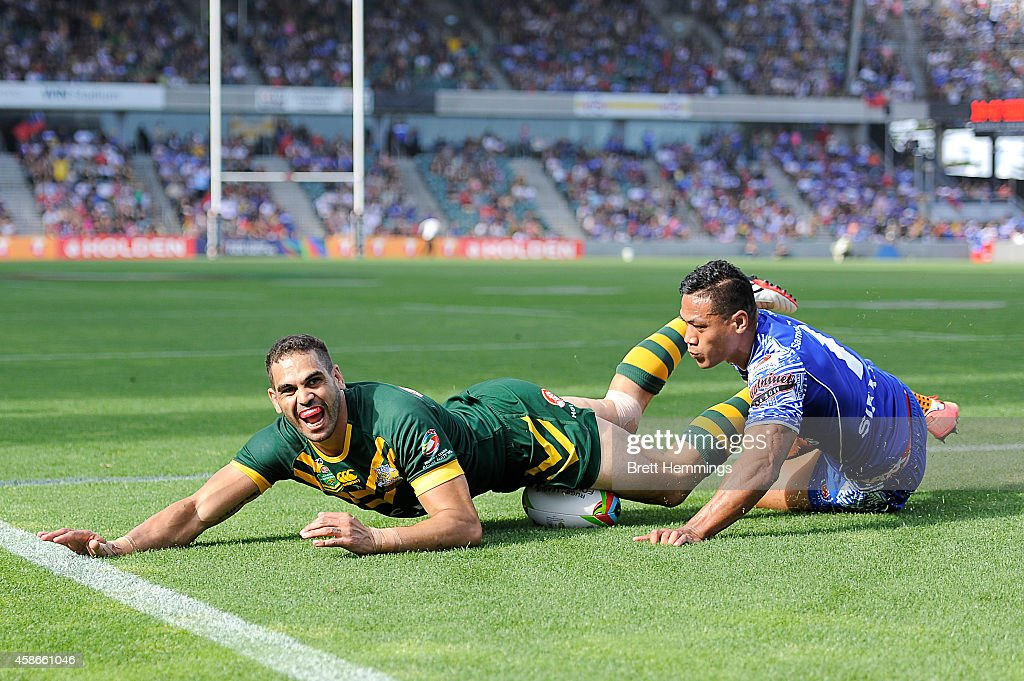 Greg Inglis of Australia scores a try during the Four Nations match between the Australian Kangaroos and Samoa at WIN Stadium on November 9, 2014 in Wollongong, Australia.