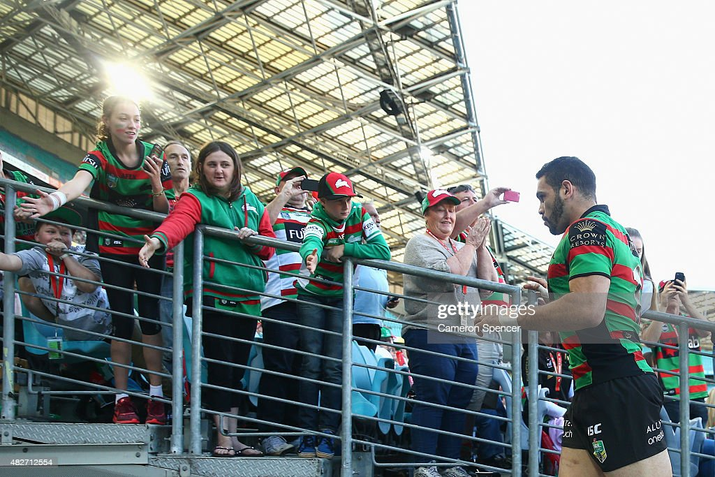 Greg Inglis of the Rabbtitohs and team mates leave the field after warming up prior to the round 21 NRL match between the South Sydney Rabbitohs and the Penrith Panthers at ANZ Stadium on August 2, 2015 in Sydney, Australia.