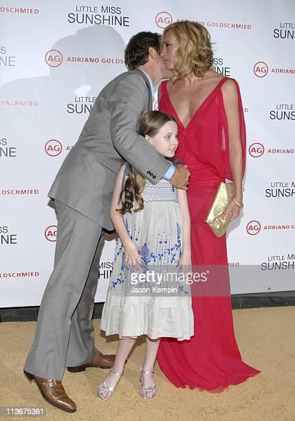Greg Kinnear Abigail Breslin and Toni Collette during Little Miss Sunshine New York Premiere Inside Arrivals at AMC Loews Lincoln Square in New York...