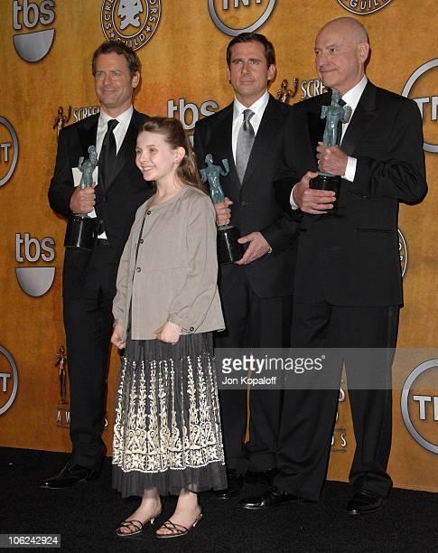 Greg Kinnear Abigail Breslin Steve Carell and Alan Arkin of Little Miss Sunshine winner Outstanding Performance by a Cast in a Motion Picture