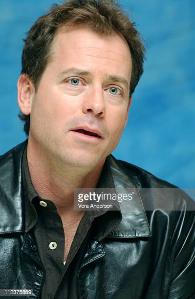 Greg Kinnear during Stuck On You Press Conference with Matt Damon Cher Greg Kinnear Eva Mendes Bobby Farrelly and Peter Farrelly at Waldorf Astoria...