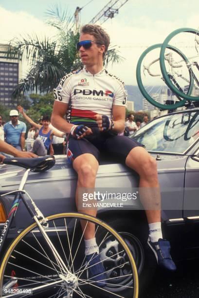 Greg Lemond lors du départ du Tour des Amériques en février 1988 à Caracas, Venezuela.