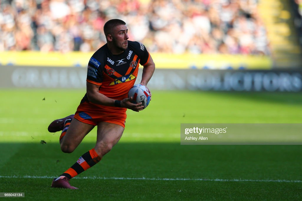 Greg Minikin of Castleford Tigers in action during the Betfred Super League match between Hull FC and Castleford Tigers at KCOM Stadium on May 5, 2018 in Hull, England.