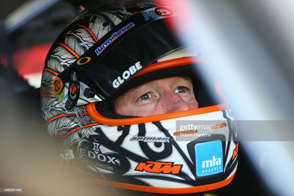 Sandown 500 - V8 Supercars: Practice