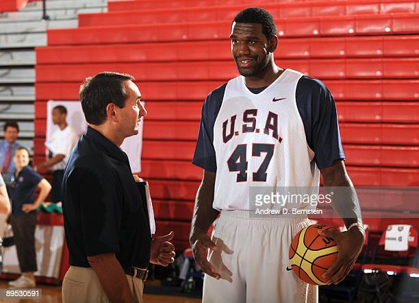 Greg Oden of the USA Men's National Basketball Team talks with coach Mike Krzyzewski during minicamp on July 24 2009 at Valley High School in Las...