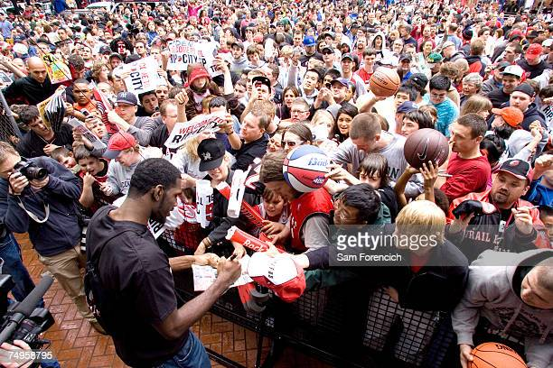 Greg Oden the draft pick of the Portland Trail Blazers signs autographs for fans on June 29 2007 in Portland Oregon NOTE TO USER User expressly...