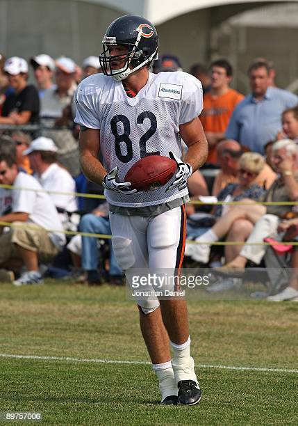 75eedf808f4f24 Greg Olsen of the Chicago Bears works out during a training camp practice on  August 4
