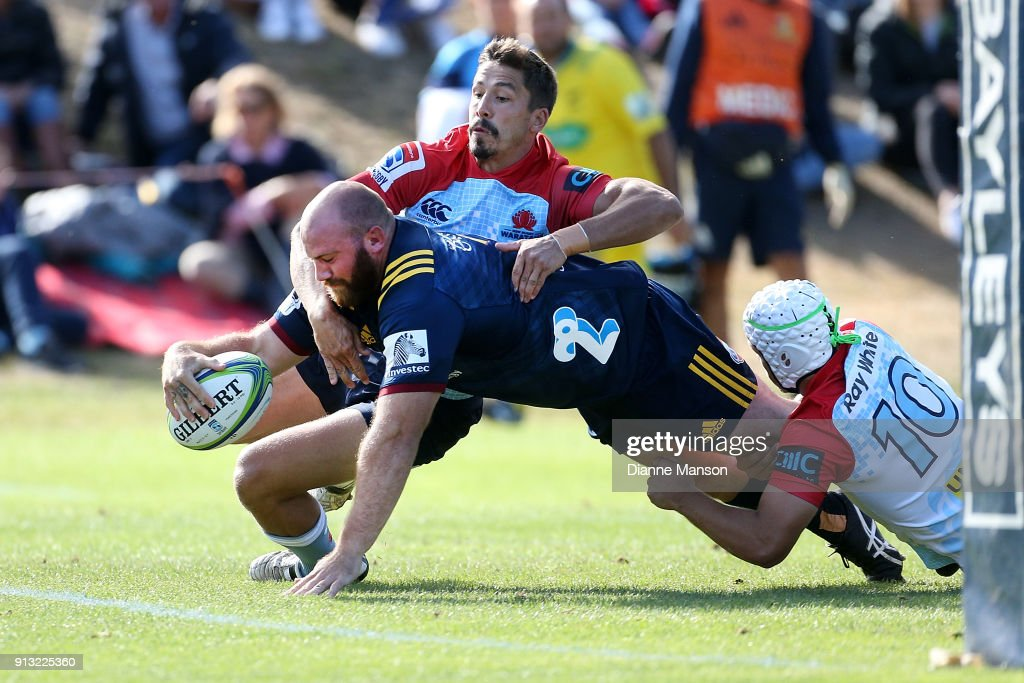 Greg Pleasants-Tate of the Highlanders dives over to score a try during the Super Rugby pre-season match between the Highlanders and the Waratahs on February 2, 2018 in Queenstown, New Zealand.