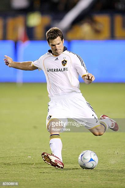 Greg Vanney of the Los Angeles Galaxy makes a pass during a MLS match against the Chicago Fire at Home Depot Center on August 21 2008 in Carson...