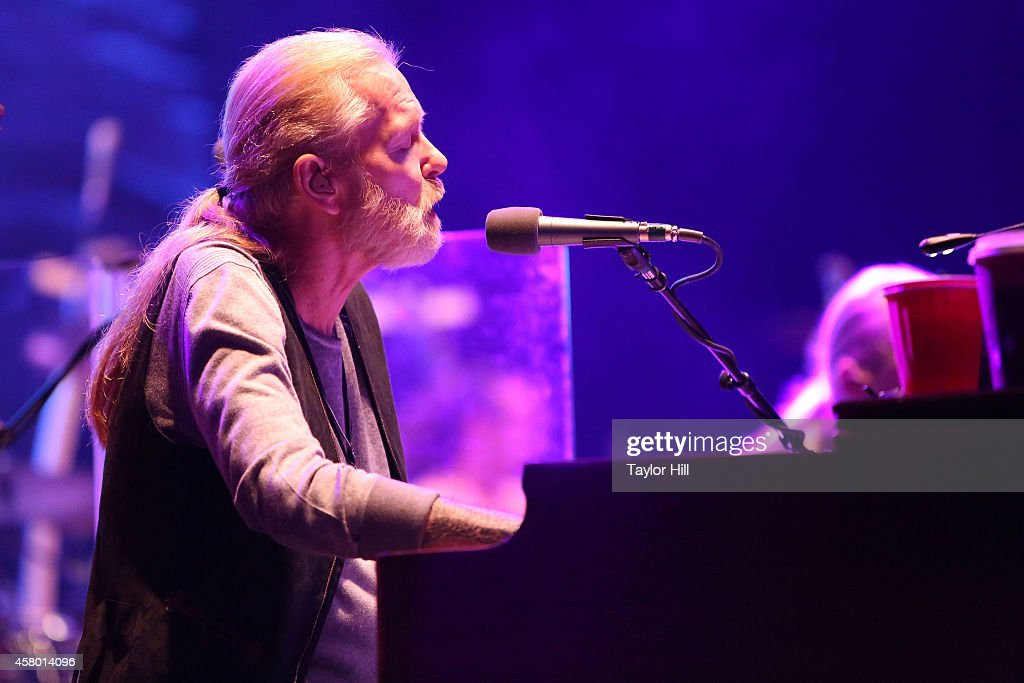 Gregg Allman of The Allman Brothers Band performs at The Allman Brothers Band's farewell concert at Beacon Theatre on October 28, 2014 in New York City.