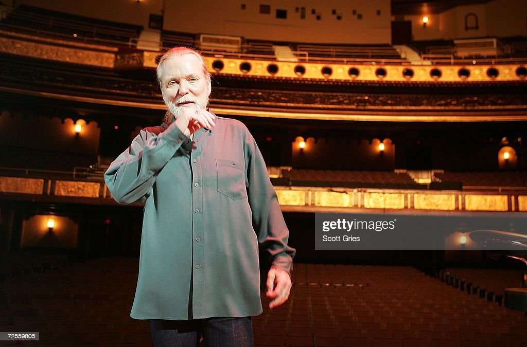 Gregg Allman of the Allman Brothers Band poses for a photo onstage following a press conference to announce that MSG Entertainment will acquire the Beacon Theater on November 15, 2006 at the Beacon Theater in New York City.