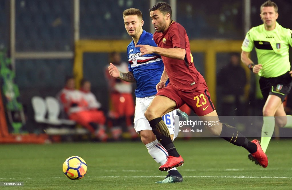Gregoire Defrel (R) of Roma and Karol Linetty of Sampdoria in action during the Serie A match between UC Sampdoria and AS Roma on January 24, 2018 in Genoa, Italy.