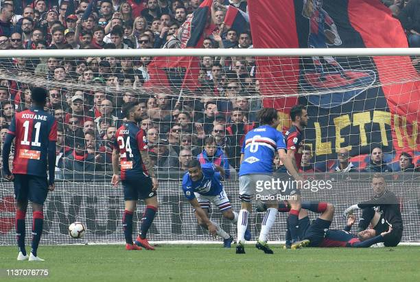 Gregoire Defrel of UC Sampdoria scores their first goal during the Serie A match between UC Sampdoria and Genoa CFC at Stadio Luigi Ferraris on April...