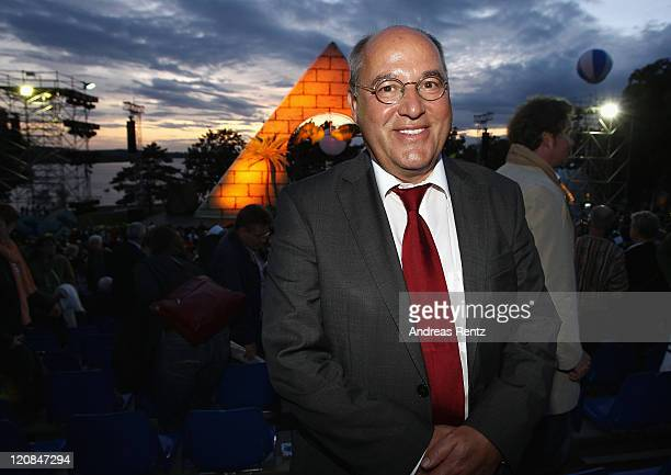 Gregor Gysi attends the 'The Magic Flute' premiere by Wolfgang Amadeus Mozart during the SeefestspieleBerlin at the Wannsee on August 11 2011 in...