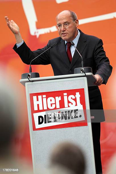 Gregor Gysi Chairman of the Bundestag faction of the German leftwing party Die Linke speaks to supporters during an election campaign event in...