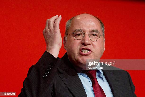 Gregor Gysi cohead of the Bundestag faction of the German farleft party Die Linke speaks at the party's annual congress on June 2 2012 in Goettingen...