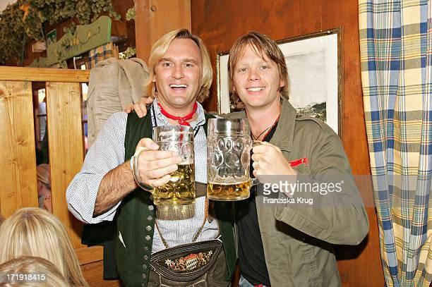 Gregor Leutgeb Und Mike Kraus Bei 'Frühstück Bei Tiffany' In Der Schützenhalle Auf Dem Oktoberfest In München Am 180904