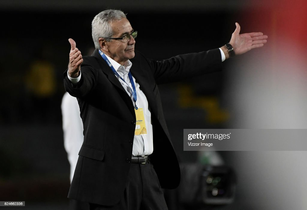 Gregorio Perez, coach of Independiente Santa Fe gestures during a match between Independiente Santa Fe and Once Caldas as part of the 5th round of the Liga Aguila II 2017 at Nemesio Camacho Stadium on July 30, 2017 in Bogota, Colombia.