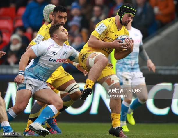 Gregory Alldritt of La Rochelle holds onto the ball during the Heineken Champions Cup Round 2 match between Sale Sharks and La Rochelle at AJ Bell...