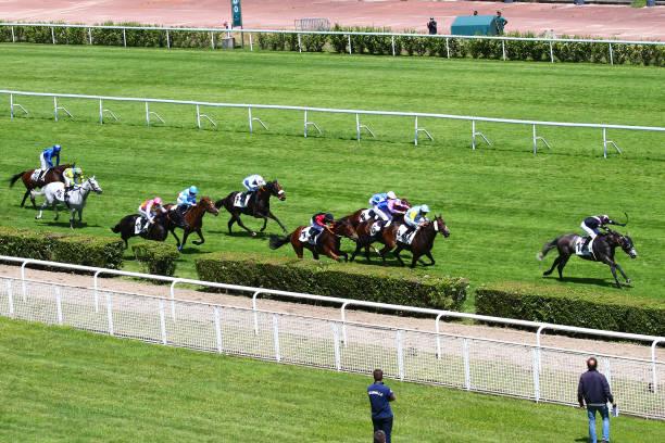 FRA: Meeting Saint-Cloud - Horse Racing