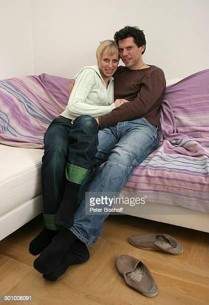 kuscheln auf sofa