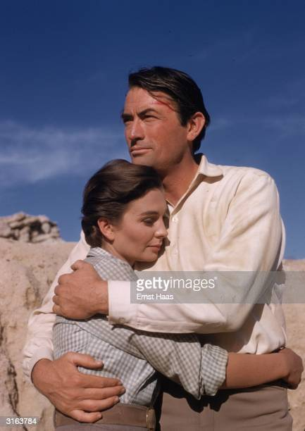 Gregory Peck stars with English actress Jean Simmons in the William Wyler western 'The Big Country'