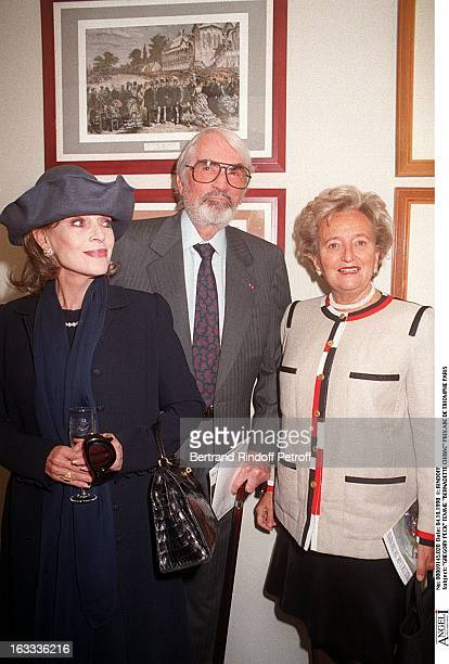 Gregory Peck wife and Bernadette Chirac at The Arc De Triomphe Grand Prix In Paris