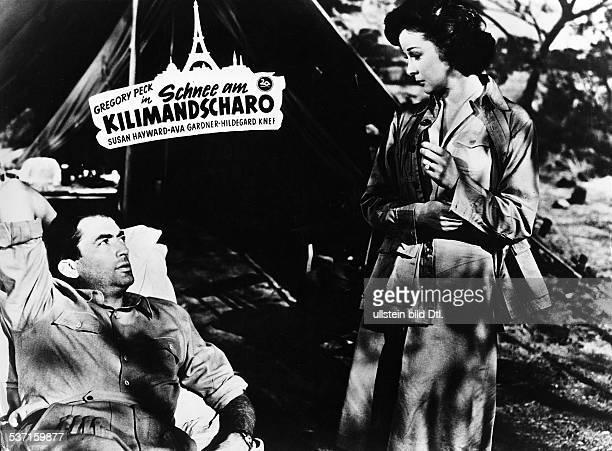 Gregory PeckGregory PeckSusan Hayward Schauspieler USA mit Susan Hayward in dem Film `Schnee am Kilimandscharo` USA 1952 R Henry King B Casey...