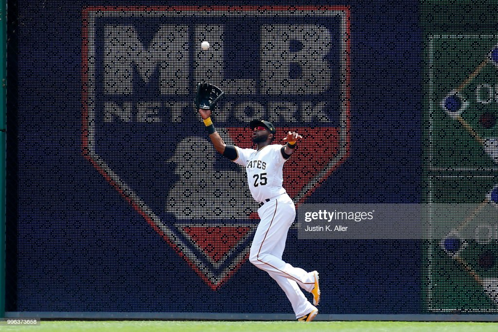 Gregory Polanco #25 of the Pittsburgh Pirates makes a catch in the fourth inning against the Washington Nationals at PNC Park on July 11, 2018 in Pittsburgh, Pennsylvania.