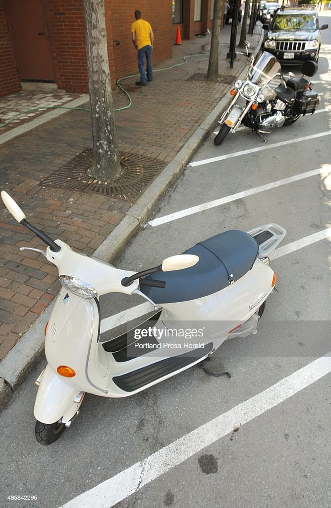 free motorcycle parking portland  Motorized scooter and motorcycle parking spaces on Temple Street at ...