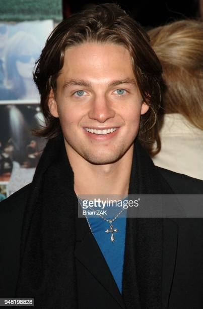 Gregory Smith arrives to the New York premiere of 'Elizabethtown' held at Loews Lincoln Square New York City BRIAN ZAK