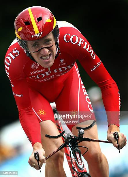British rider Bradley Wiggins of the French Cofidis team rides, 10 June 2007 in Grenoble, during the prologue time trial of the 60th Dauphine Libere...