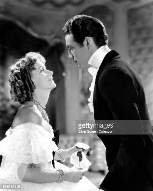 Greta Garbo as Marguerite Gautier and Robert Taylor as Armand Duval in the film 'Camille' based on the novel 'La Dame aux Camélias' by Alexandre...