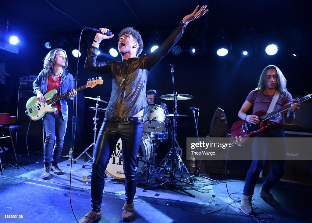 Greta Van Fleet And Goodbye June In Concert - New York, New York : News Photo