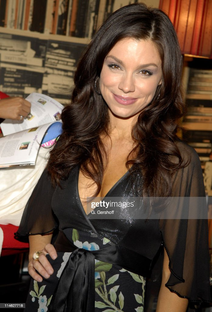 Launch of Naturalizer Signature by Gretta Monahan Shoe Collection - November 15, 2006 : ニュース写真