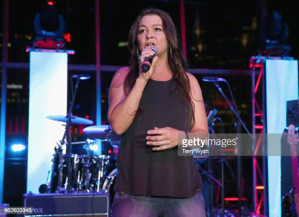 Gretchen Wilson performs onstage at the WME Party during IEBA 2017 Conference on October 17 2017 in Nashville Tennessee